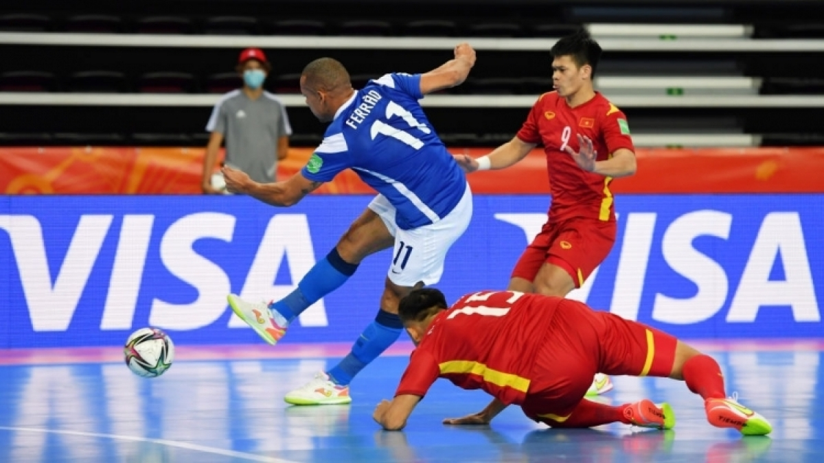 Pivot Ferrao (in blue jersey) scores four times for defending champions Brazil in their 9-1 win over Vietnam at the FIFA Futsal World Cup 2021 taking place in Lithuania. (Photo: Getty)