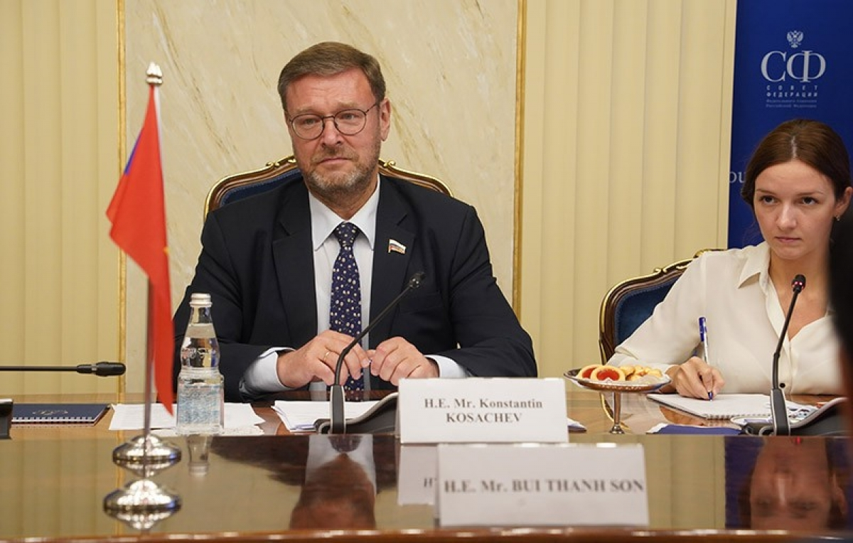Deputy Speaker Konstantin Kosachev affirms Vietnam is an important and close partner of Russia in the Asia-Pacific. (Photo: Ministry of Foreign Affairs).