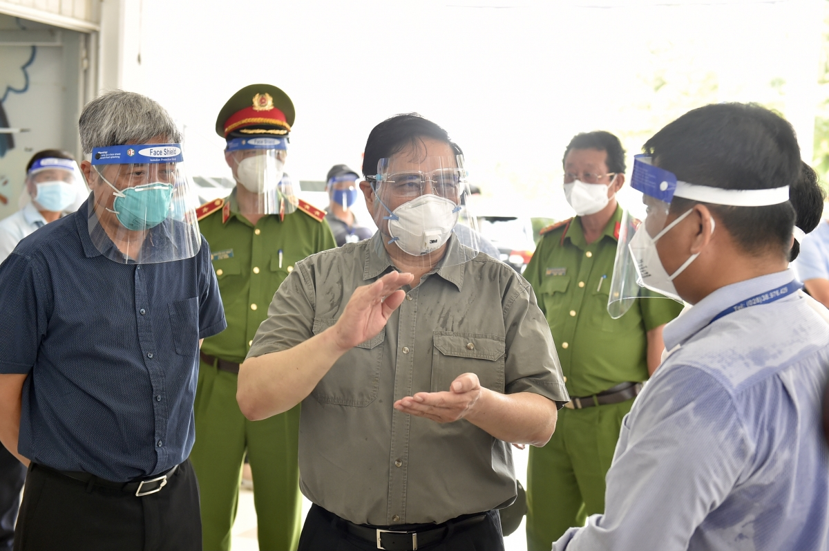 Thủ tướng yêu cầu bảo đảm an ninh trật tự, phòng chống cháy nổ và xử lý vi phạm trong phòng, chống dịch COVID-19