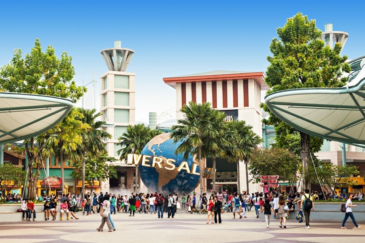 Universal Studios thuộc quần thể Resorts World Sentosa (Singapore) là điển hình thành công của loại hình công viên chủ đề tại khu vực châu Á.
