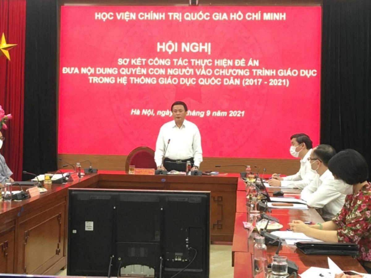 Ông Nguyễn Xuân Thắng phát biểu tại hội nghị.