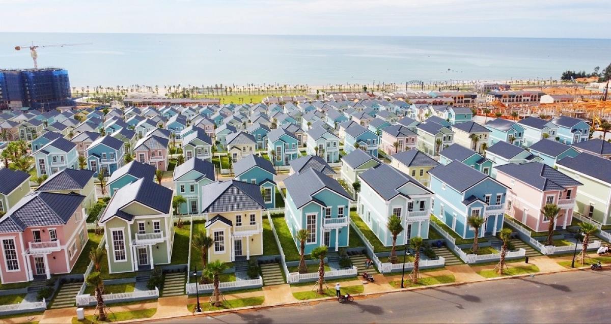 Sống cạnh biển là một trong những giải pháp để bảo vệ sức khỏe hô hấp cho bản thân và gia đình. Ảnh biệt thự biển Florida tại NovaWorld Phan Thiet (Bình Thuận)