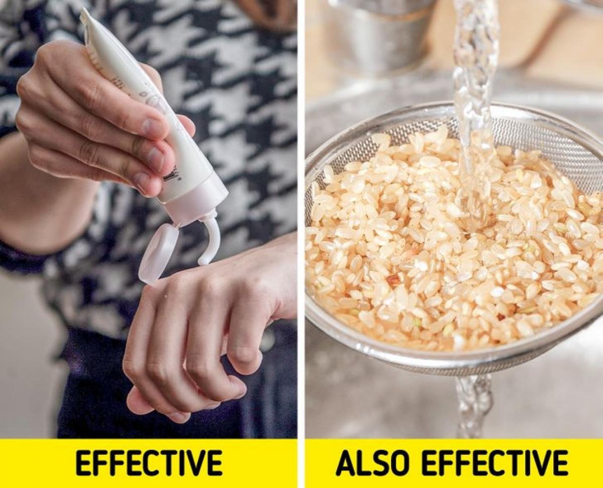 Nước gạo giúp làm dịu các vết cháy nắng và giảm kích ứng.