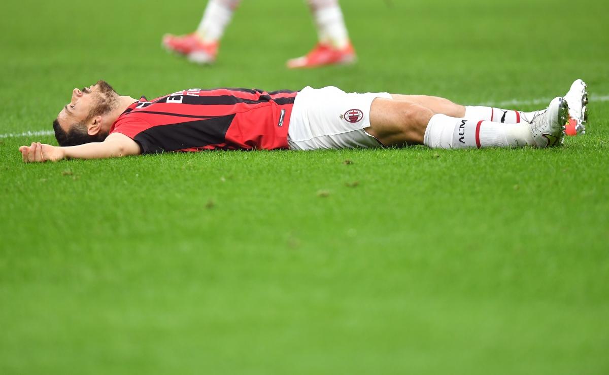 AC Milan thua trận đầy tiếc nuối.