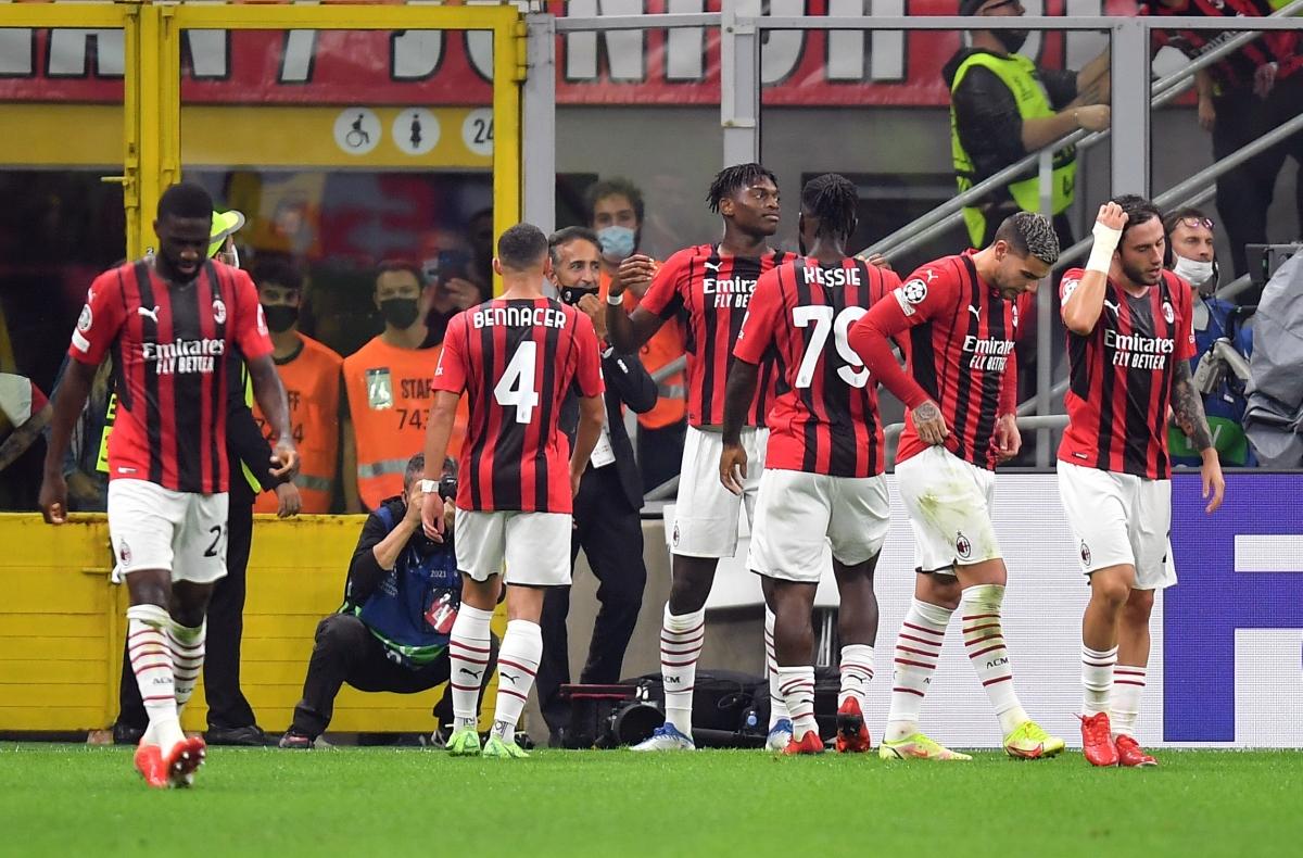 Cuộc tiếp đón Atletico Madrid là lần đầu tiên sau 7 năm AC Milan được tận hưởng bầu không khí Champions League trên sân nhà San Siro.