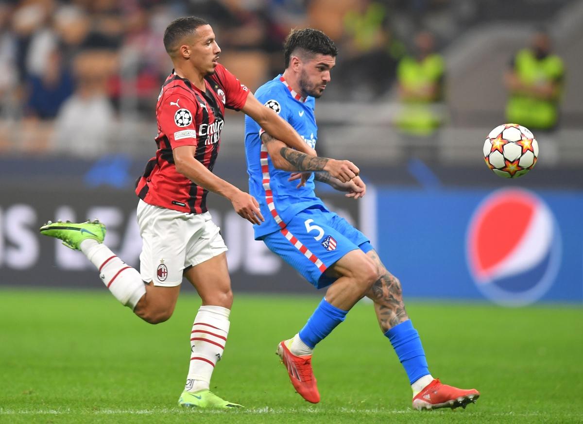 Ngược lại, Atletico Madrid chơi tất tay khi tung 4 cầu thủ tấn công vào sân từ ghế dự bị.
