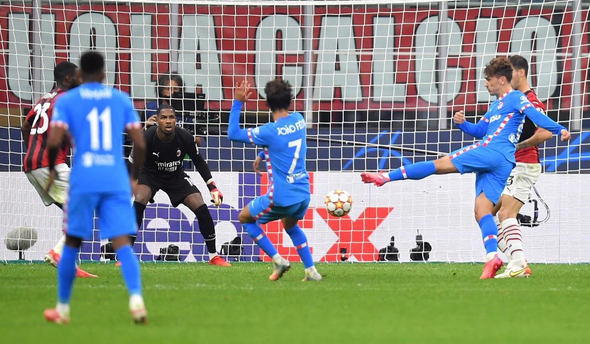 Phút 84, Antoine Griezmann tung cú volley chân trái gỡ hoà 1-1.