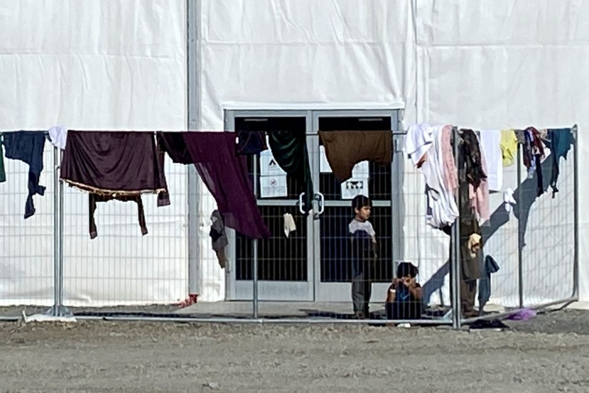 Nơi ở của những người Afghanistan tị nạn tại căn cứ liên hợp McGuire-Dix-Lakehurst, New Jersy, Mỹ. Ảnh: Reuters.