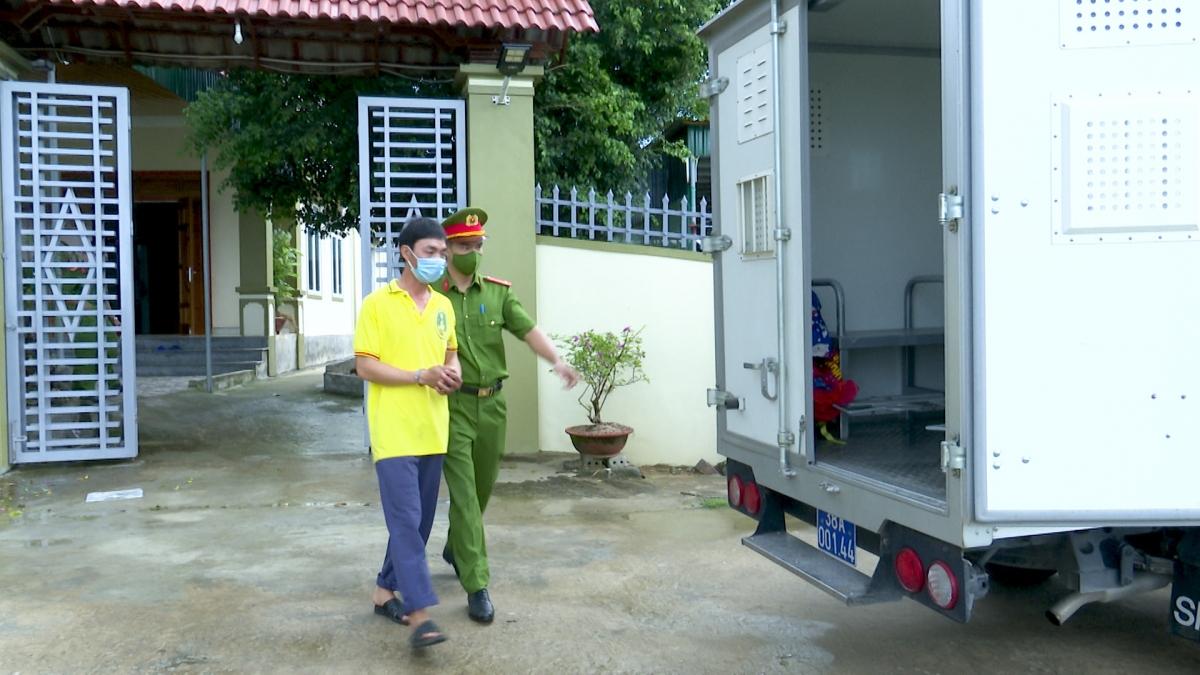 """Cơ quan điều tra khởi tố, bắt tạm giam """"siêu trộm"""" Lê Quang Nhung tại cơ quan điều tra."""