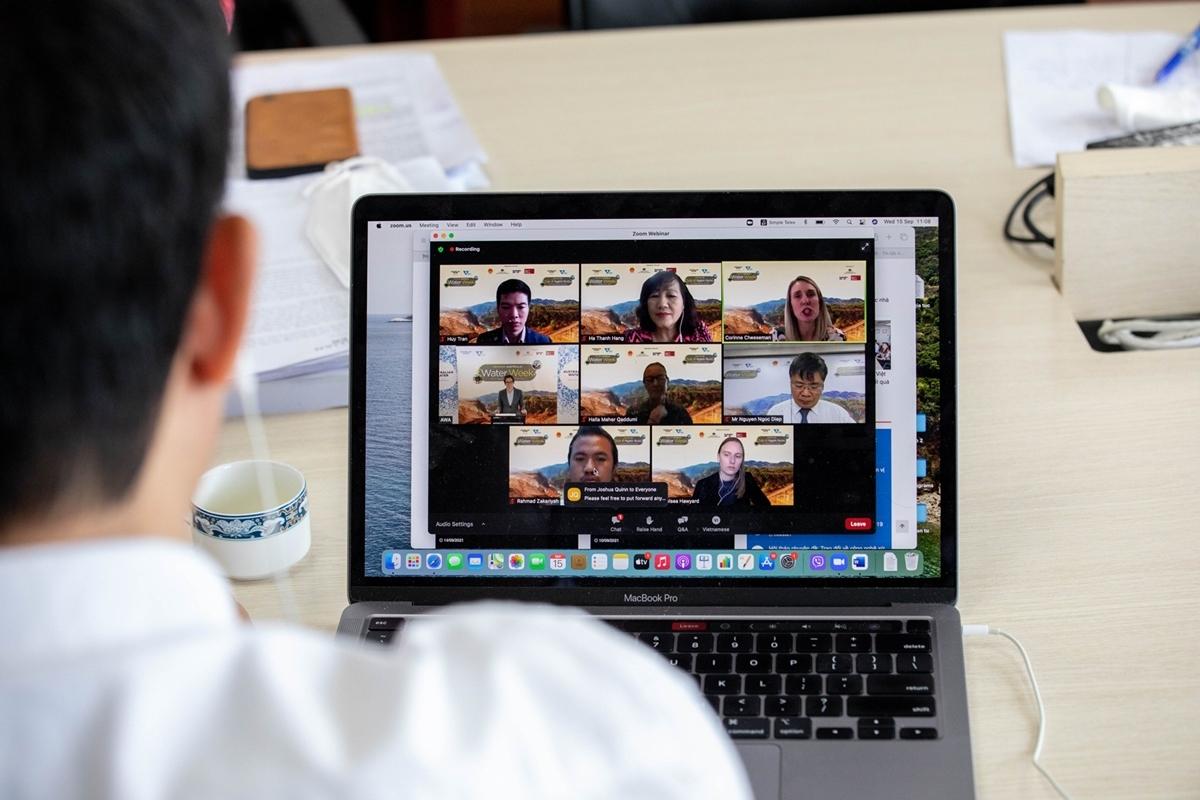 Lãnh đạo trẻ ngành nước Việt Nam - Australia tham dự diễn đàn trực tuyến.