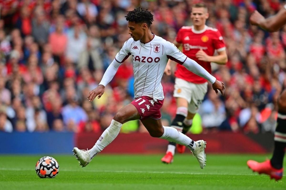 Watkins bỏ lỡ cơ hội mười mươi để mở tỷ số cho Aston Villa. (Ảnh: Getty)