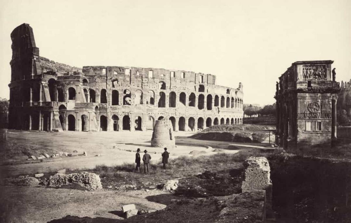 Một bức ảnh hiếm về Đấu trường La Mã nổi tiếng ở Rome, Italy khoảng năm 1865.