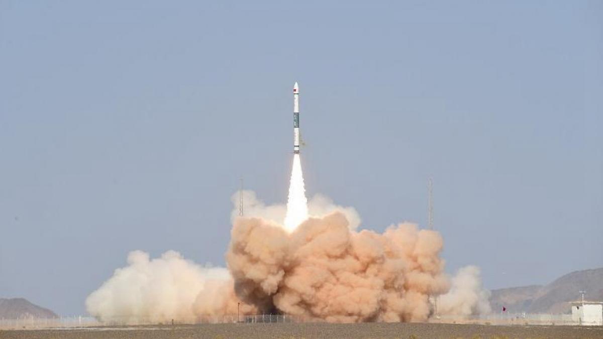 Trung Quốc phóng thành công vệ tinh viễn thám 02D có độ phân giải cao Cát Lâm - 1 vào quỹ đạo dự kiến bằng tên lửa đẩy Khoái Châu – 1A. Ảnh:China Media Group.