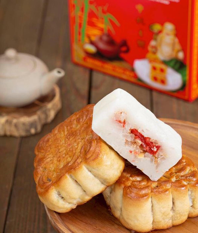 Các tiệm bánh trung thu truyền thống nổi tiếng ở Hà Nội không đắt khách như mọi năm.