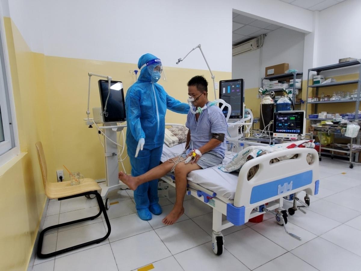 Được phục hồi chức năng kịp thời để hạn chế các tác động gây hại của virus lên cơ thể và tinh thần.