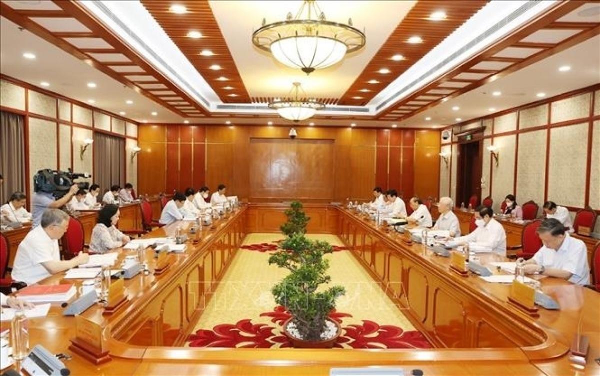 """Cuộc họp Bộ Chính trị cho ý kiến về Đề án """"Sửa đổi, bổ sung chức năng, nhiệm vụ, quyền hạn của Ban Chỉ đạo Trung ương về phòng, chống tham nhũng"""" ngày 10/9/2021. (Ảnh: TTXVN)"""