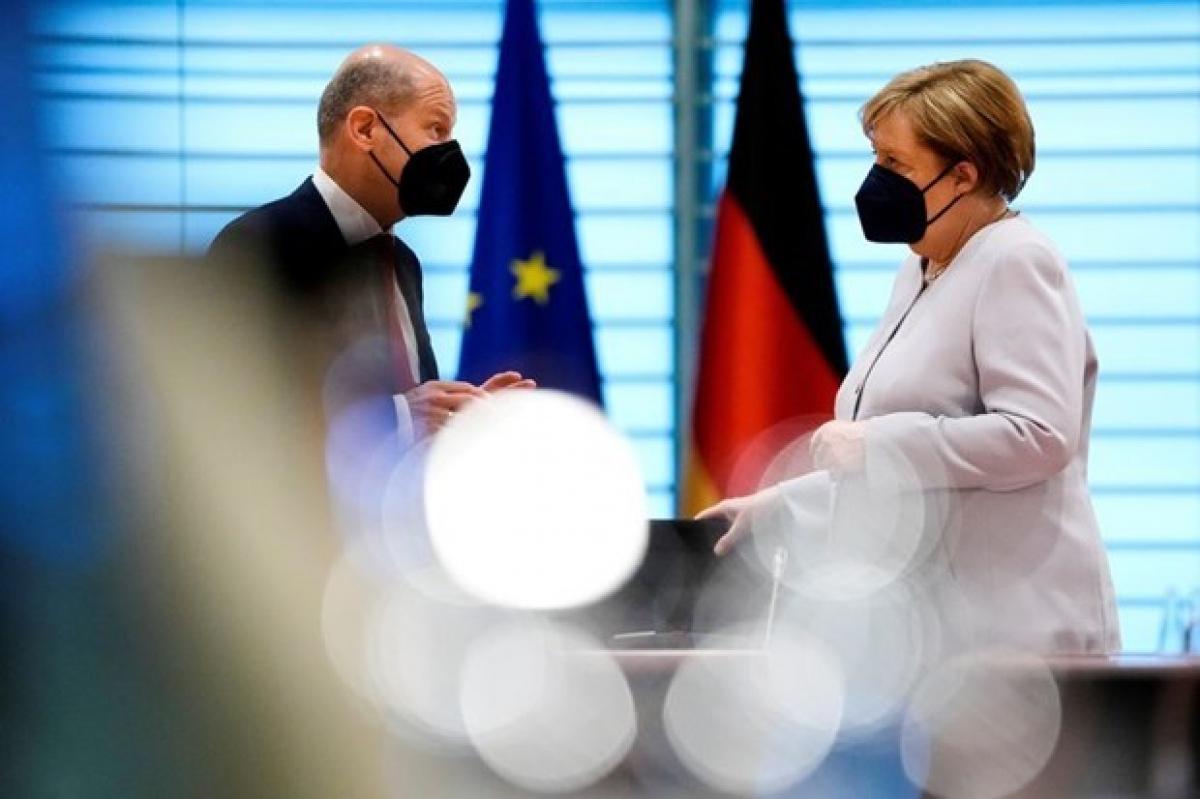 Bộ trưởng Tài chính Olaf Scholz và Thủ tướng Angela Merkel. (Nguồn: Reuters)