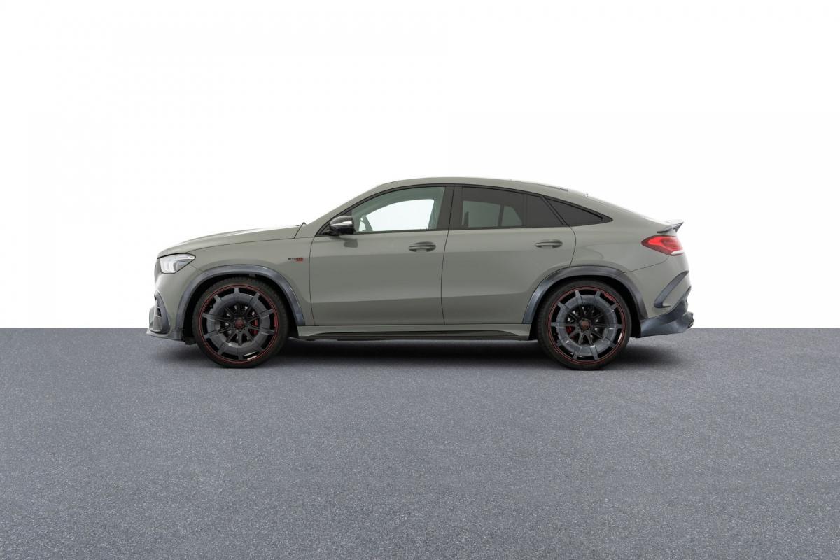 Kết quả, khối động cơ mang đến cho chiếc SUV-Coupe công suất cực đại 888 mã lực và mô-men xoắn tối đa 1.250 Nm, tuy nhiên, hãng giới hạn mô-men ở mức 1.050 Nm để đảm bảo độ bền và an toàn cho động cơ. Sức mạnh này được truyền đến cả bốn bánh xe thông qua hộp sô 9 cấp và hệ dẫn động 4Matic+.
