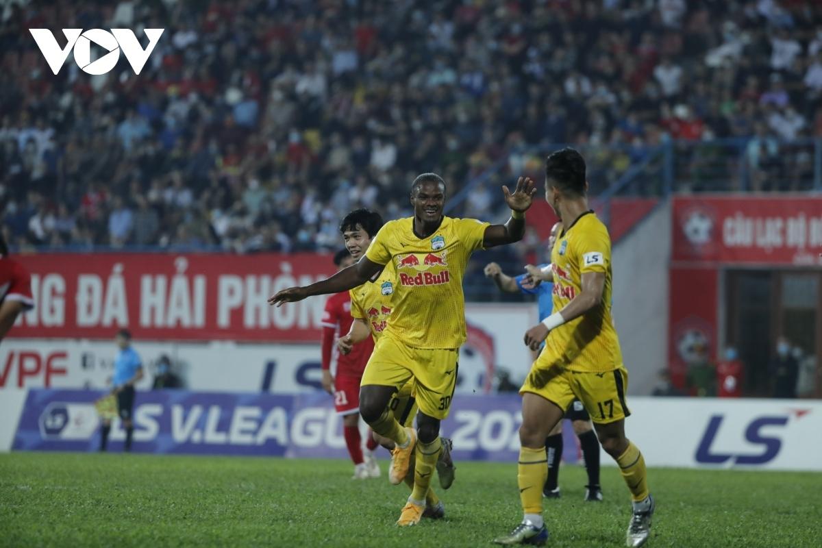 Brandao sẽ tiếp tục gắn bó với HAGL ở V-League 2022. (Ảnh: Dương Thuật).