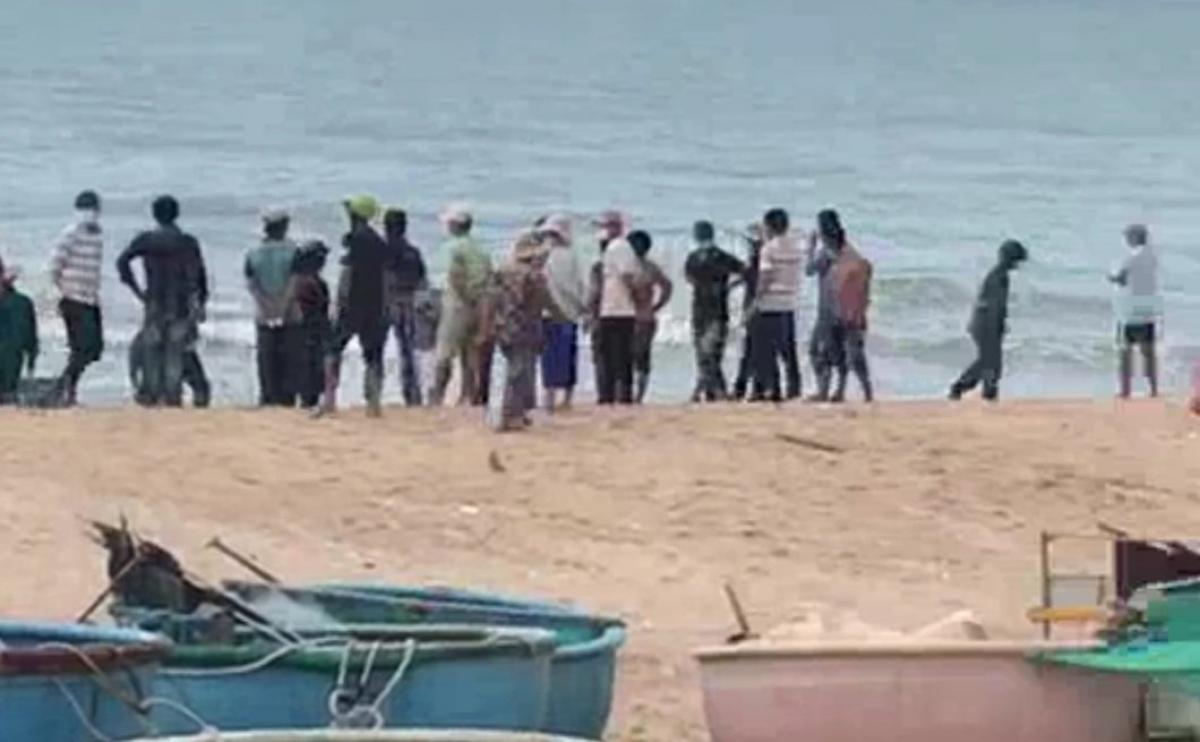 Nhiều ngư dân ở Bà Rịa - Vũng Tàu tự mở cửa biển khi chính quyền chưa cho phép