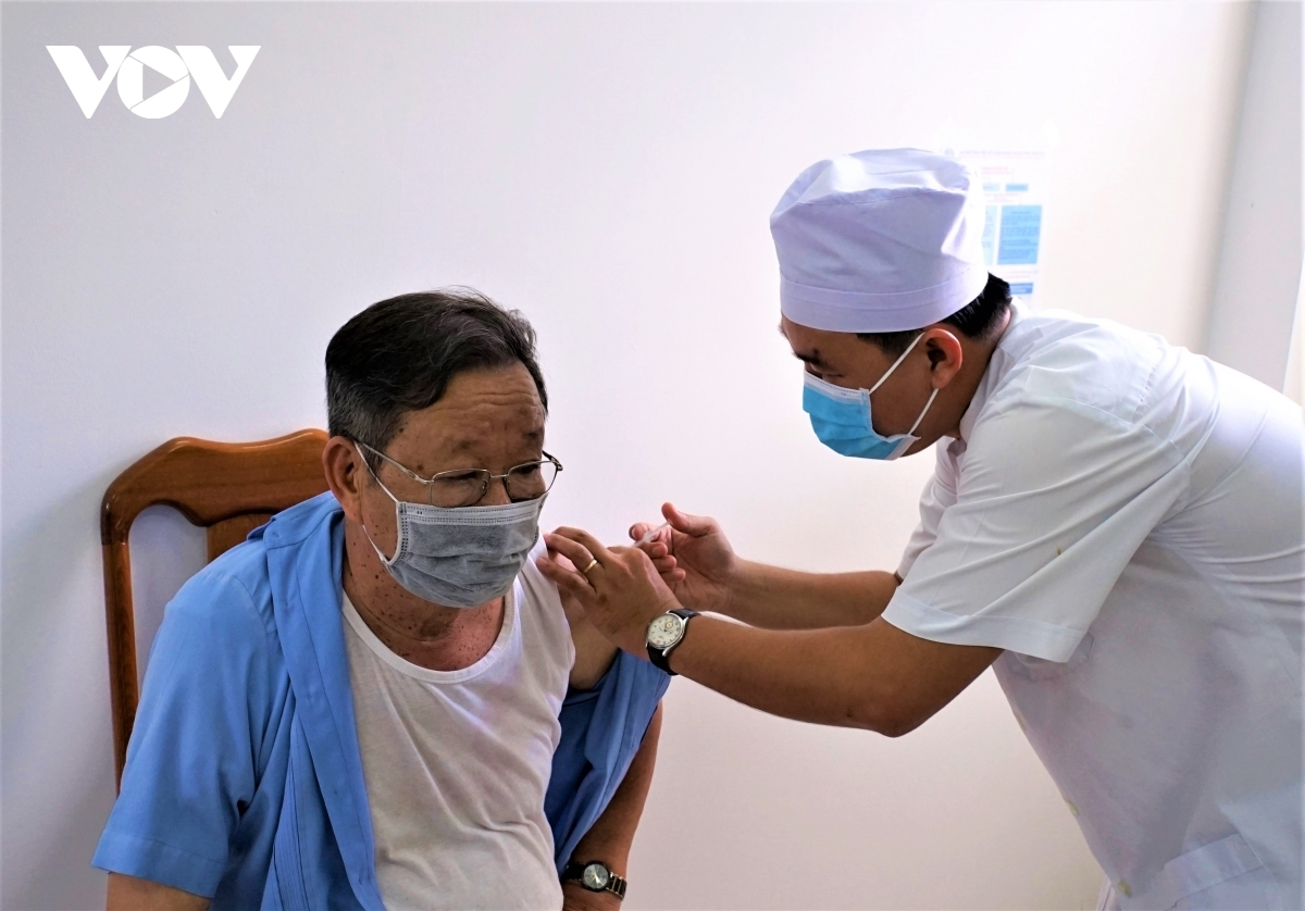 Vietnam is speeding up vaccination to better protect people from virus infection
