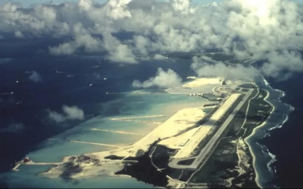 Căn cứ quân sự Diego Garcia của Mỹ nhìn từ trên không. Mỹ thuê đảo này của Anh ở Ấn Độ Dương. Ảnh: Facebook.