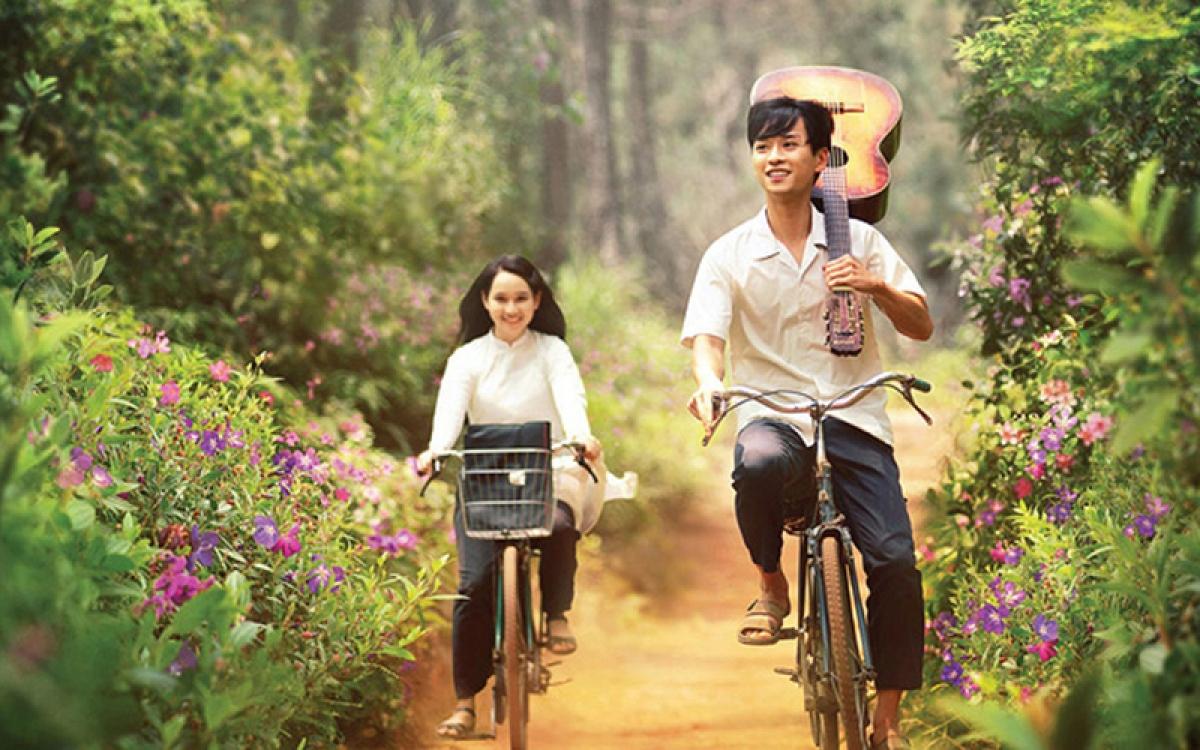 A scene inMat Biec (Blue Eyes) movie