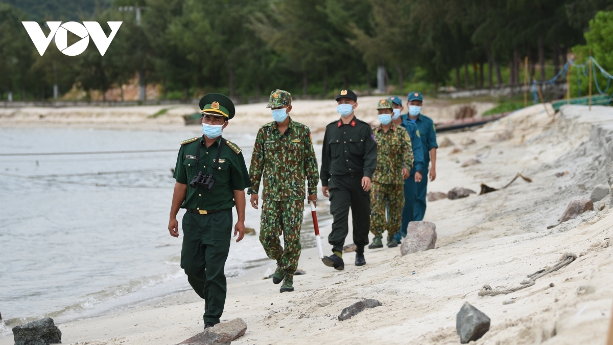 Soldiers are on patrol for the whole day to control the pandemic along the border.