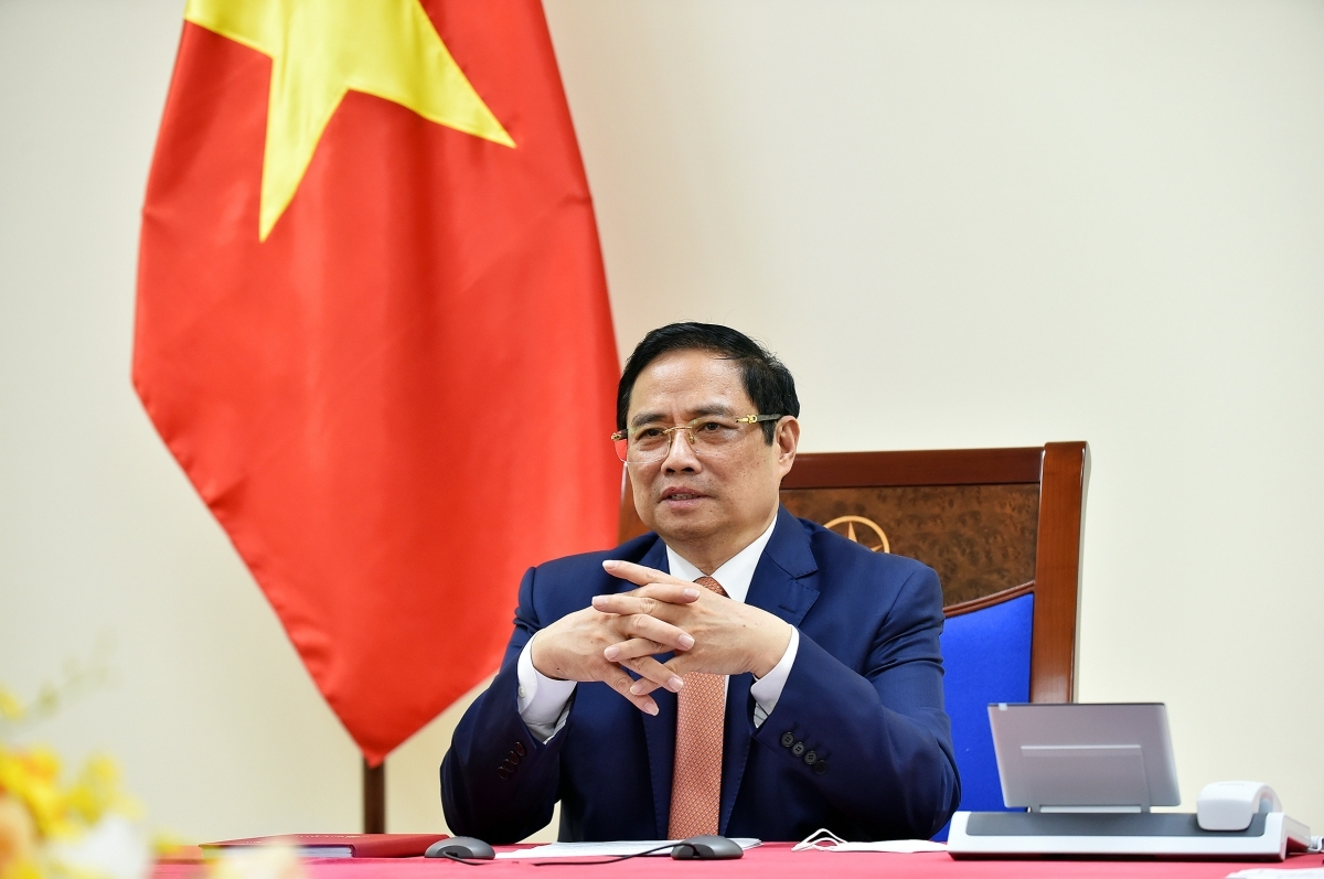 During phone calls with leaders of many countries, Prime Minister Pham Minh Chinh suggests creating favorable conditions for Vietnam to soon access vaccine sources and cooperate in the transfer of vaccine production technology.