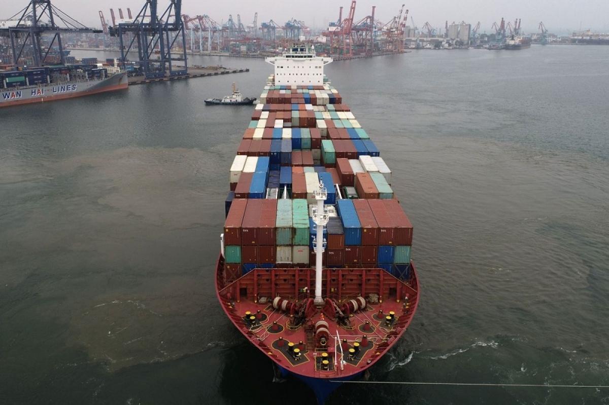 Vận chuyển tàu container đang mang lại lợi nhuận lớn nhờ phí tăng mạnh. (Ảnh: Bloomberg)