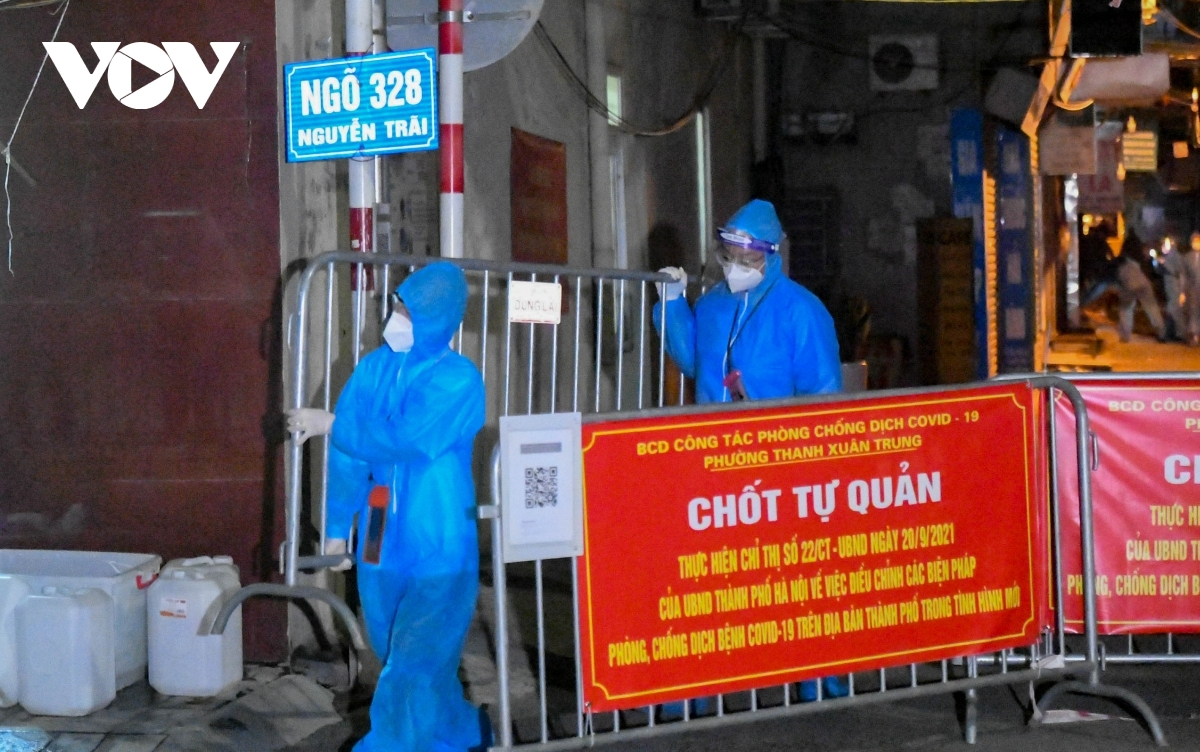 So far roughly 600 infection cases related to the two alleys on Nguyen Trai street have been confirmed, thereby making it the largest COVID-19 hotspot in the capital.