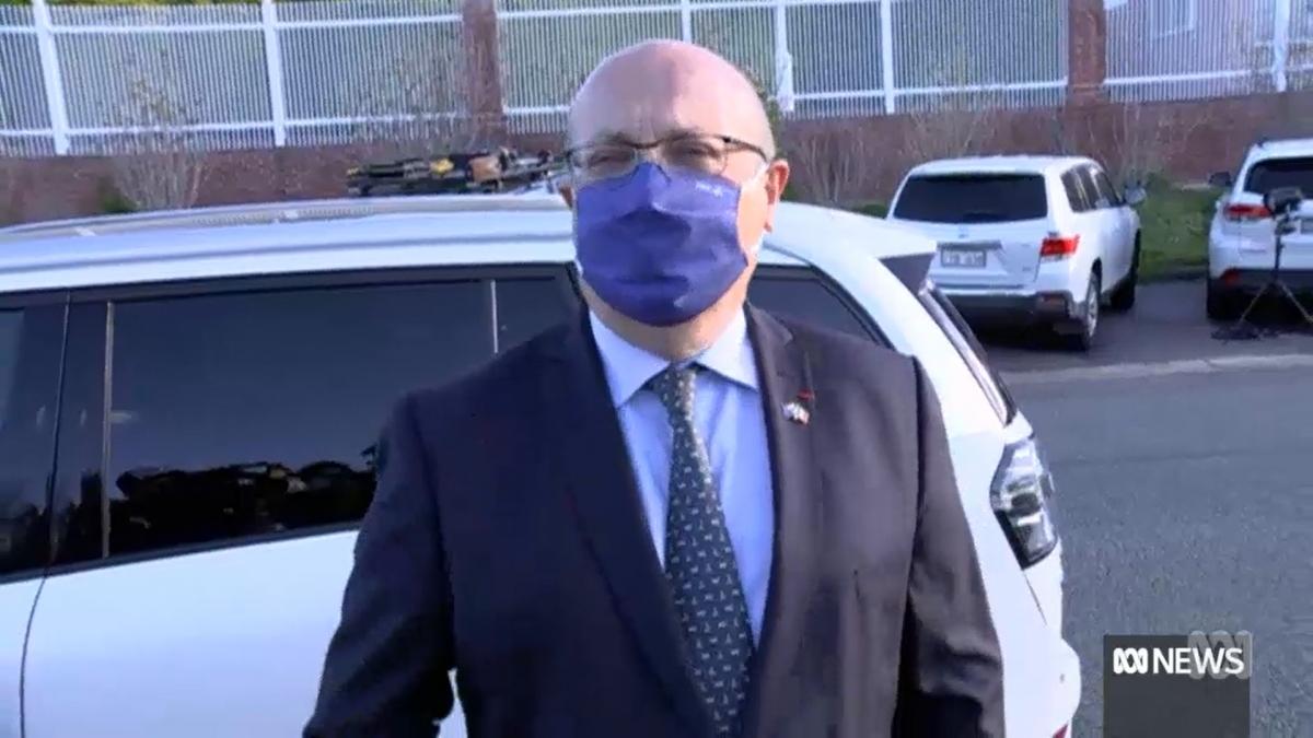 Đại sứ Pháp tại Australia Jean-Pierre Thebault đã rời thủ đô Canberra của Australia chiều nay trong sự giận giữ. Nguồn ABC News