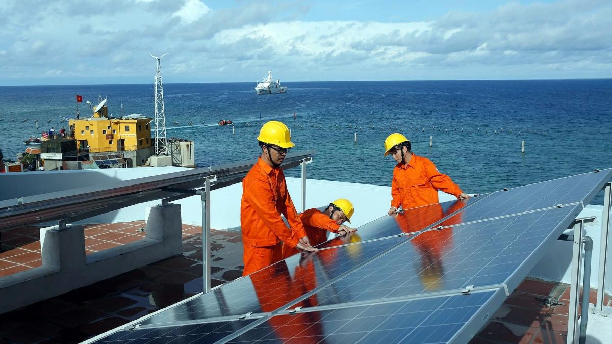Cắt giảm năng lượng xanh, năng lượng tái tạo sẽ gây ra nhiều tác động và hệ lụy. Ảnh minh họa: KT