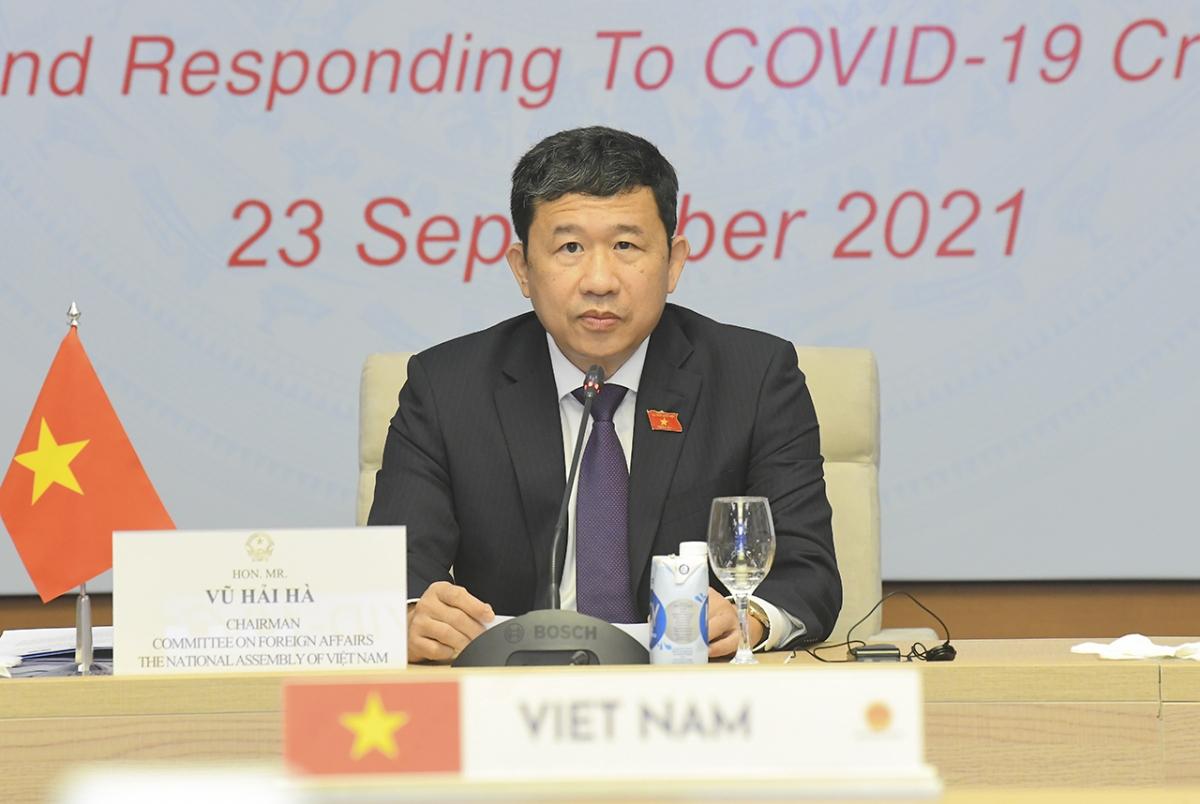 Chủ nhiệm Ủy ban Đối ngoại Vũ Hải Hà phát biểu tại Hội nghị. (Ảnh: quochoi.vn)