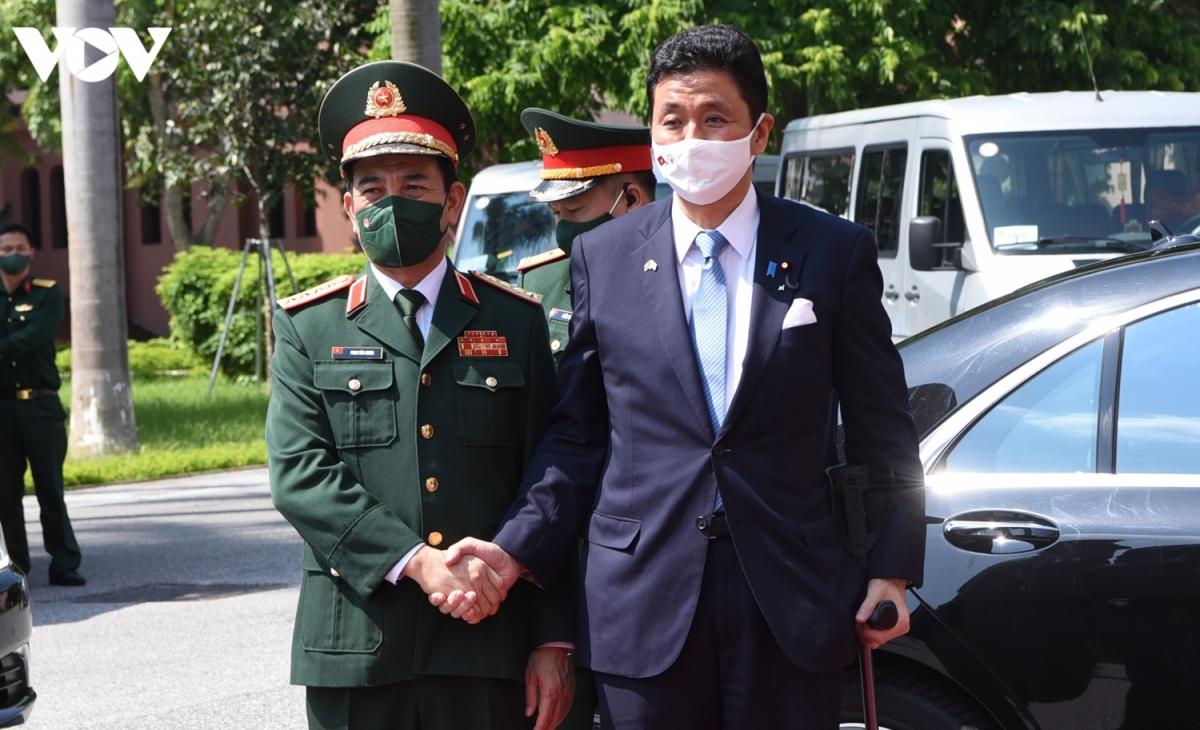 Nhận lời mời của Đại tướng Phan Văn Giang - Ủy viên Bộ Chính trị, Bộ trưởng Bộ Quốc phòng Việt Nam, Ngài Kishi Nobuo - Bộ trưởng Bộ Quốc phòng Nhật Bản thăm chính thức Việt Nam từ ngày 10-12/9. (Ảnh: Trọng Phú)