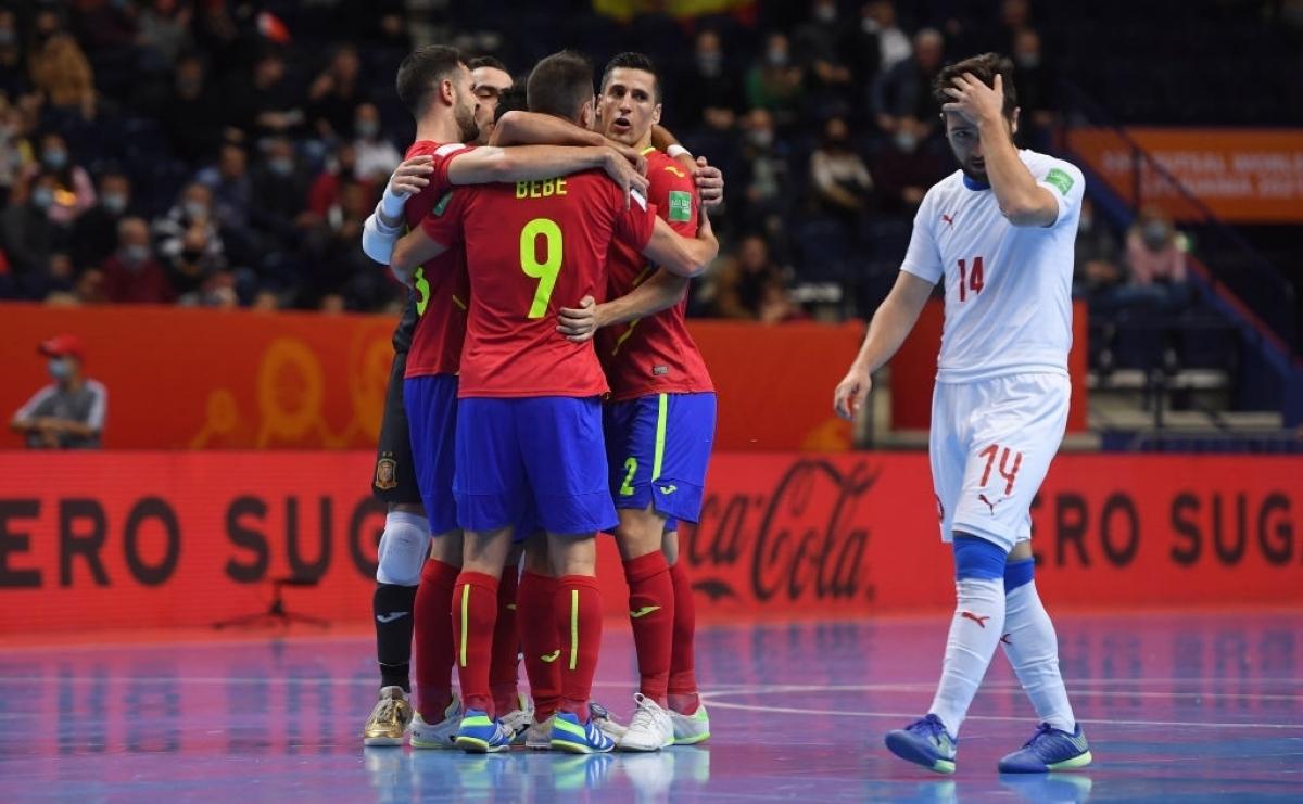 Tây Ban Nha thể hiện sức mạnh của đội tuyển Futsal số 1 thế giới. (Ảnh: Getty).
