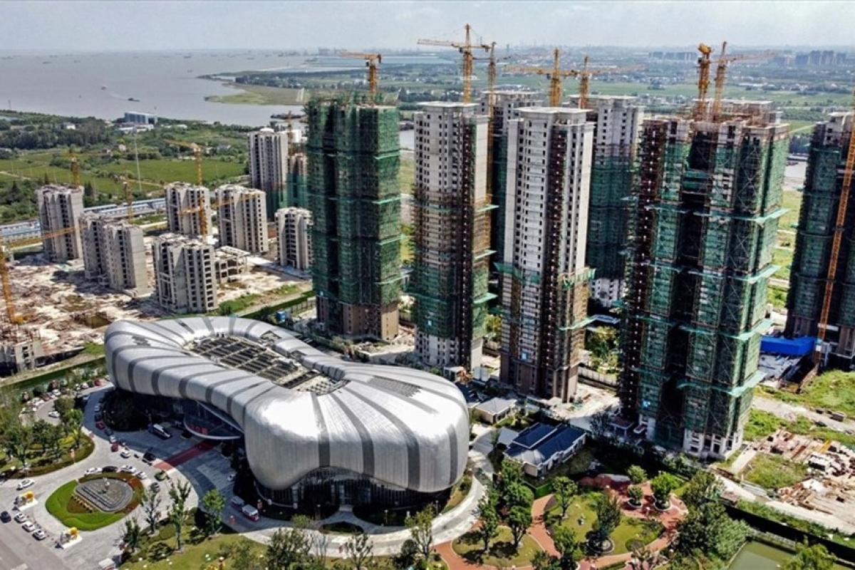 Dự án xây tổ hợp nhà ở-bán lẻ-giải trí của Evergrande ở thành phố Tô Châu, tỉnh Giang Tô, Trung Quốc đã tạm dừng. (Ảnh: AFP)