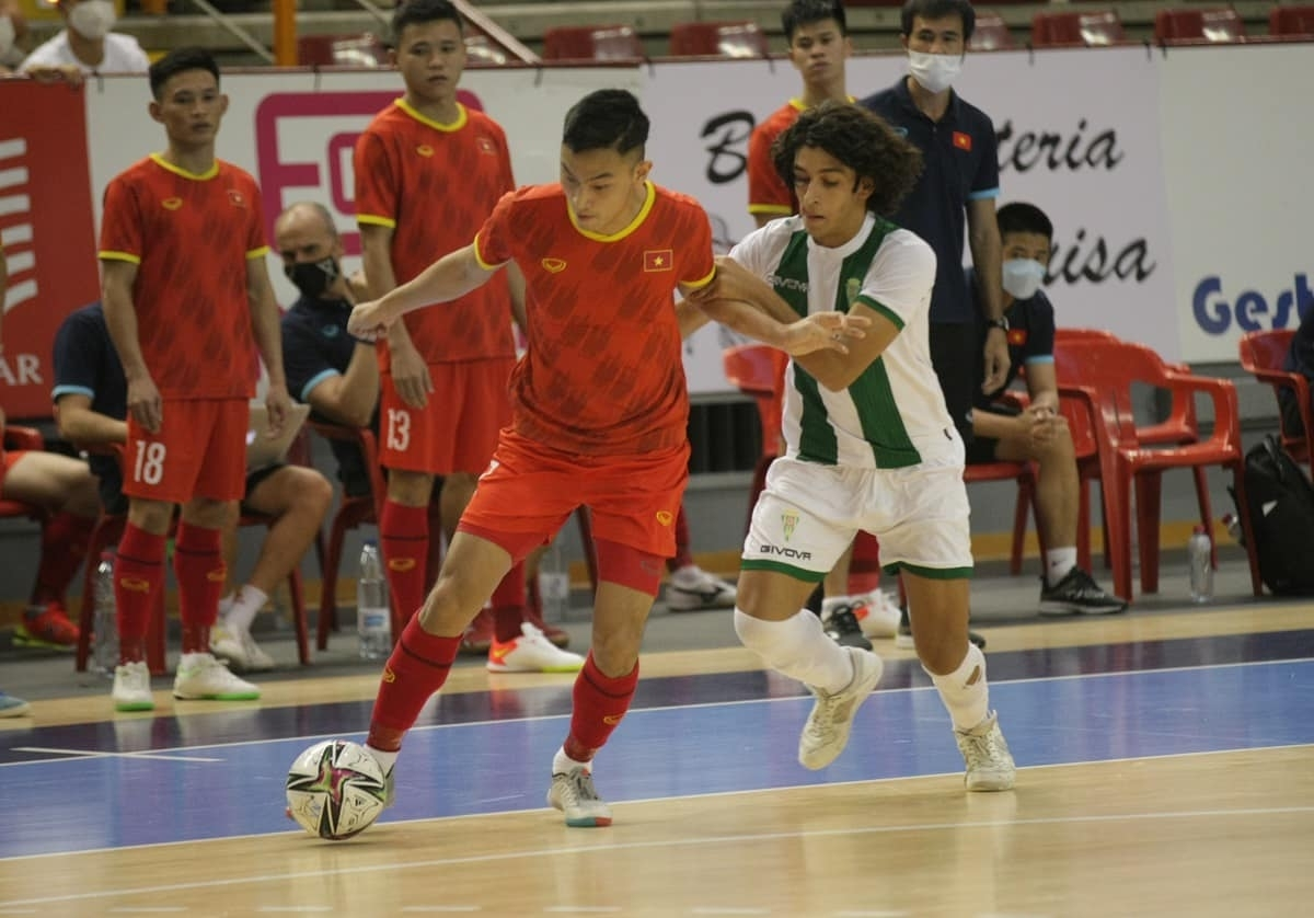 However, the Spanish side's joy is short lived as one minute later Tran Van Vu levels the game to make it 2-2. Later on the same day the Vietnamese futsal players will arrive in Lithuania where they will take on Brazil on September 13, Panama on September 16, and the Czech Republic on September 19 as part of the finals of the 2021 World Cup.