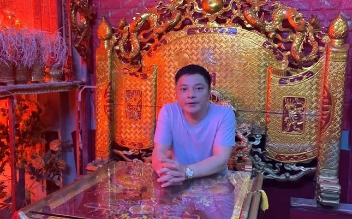 Hình ảnh ông Lương Chính Khang xuất hiện trong clip.