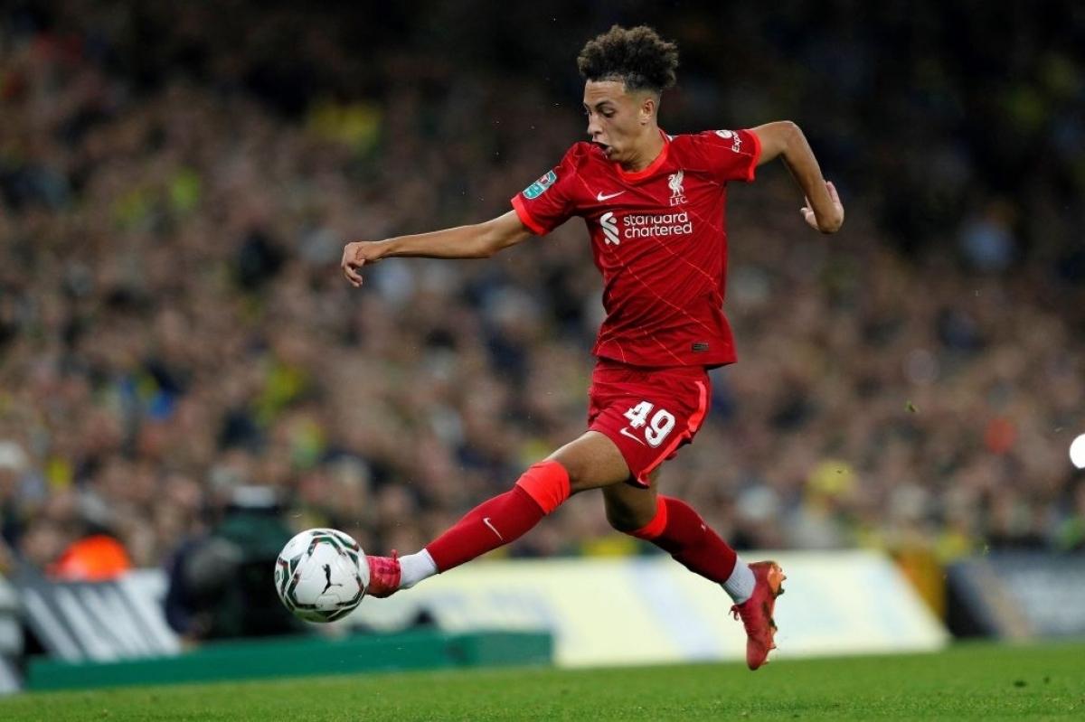 Tiền đạo 16 tuổi - Kaide Gordon thi đấu trọn vẹn 90 phút trong ngày ra mắt Liverpool. (Ảnh: AFP).