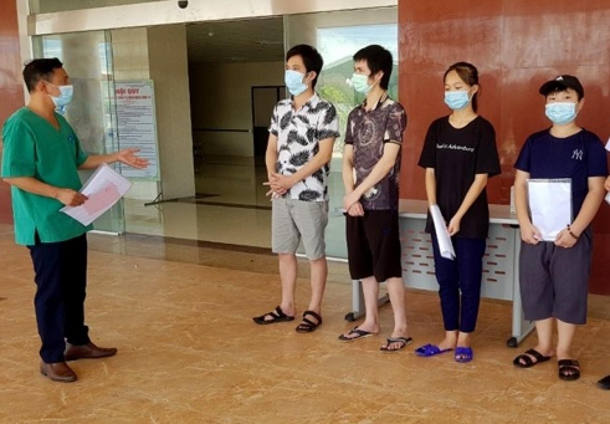 Tại Hà Tĩnh, nhiều bệnh nhân mắc COVID-19 đã được điều trị khỏi và xuất viện. (Ảnh: CTV)