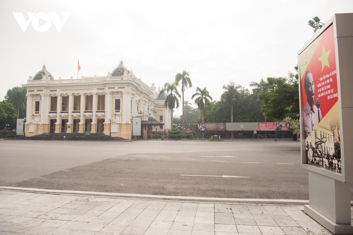 ...to the Hanoi Opera House.