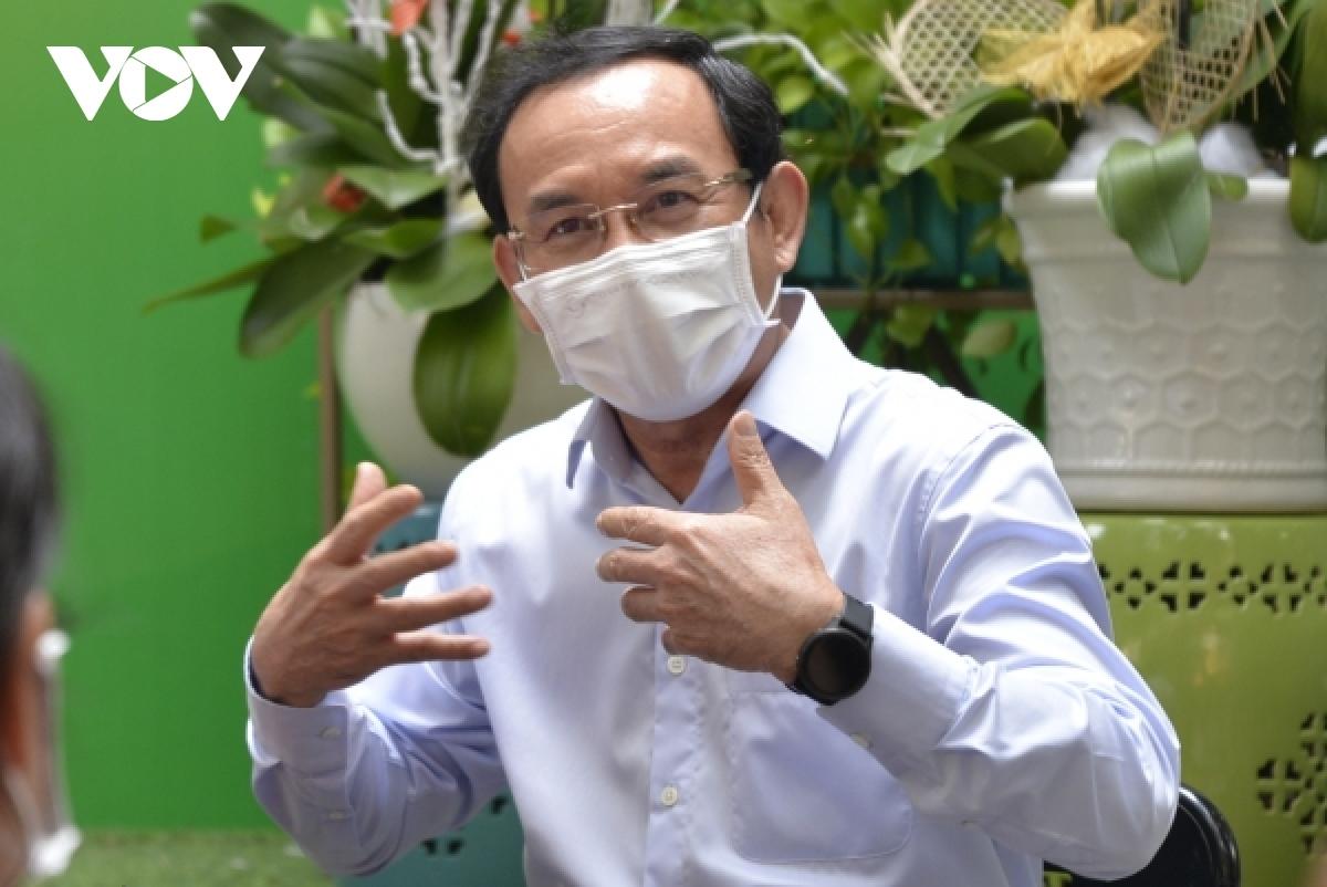HCM City Party Secretary Nguyen Van Nen says the city cannot close its economy any longer.