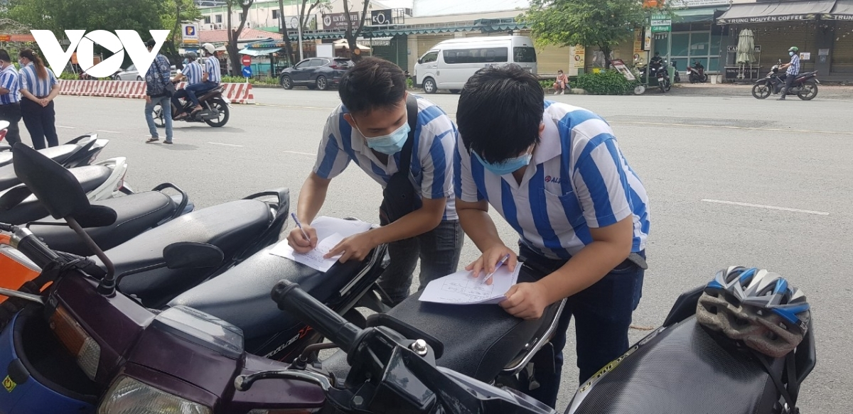 """In Tan Thuan EPZ over 50,000 workers have already received their first COVID-19 vaccine dose, with more than half of them getting their second inoculation. Apart from 110 businesses operating on a """"three-on-spot"""" model, other businesses are set to resume operation from September 15."""