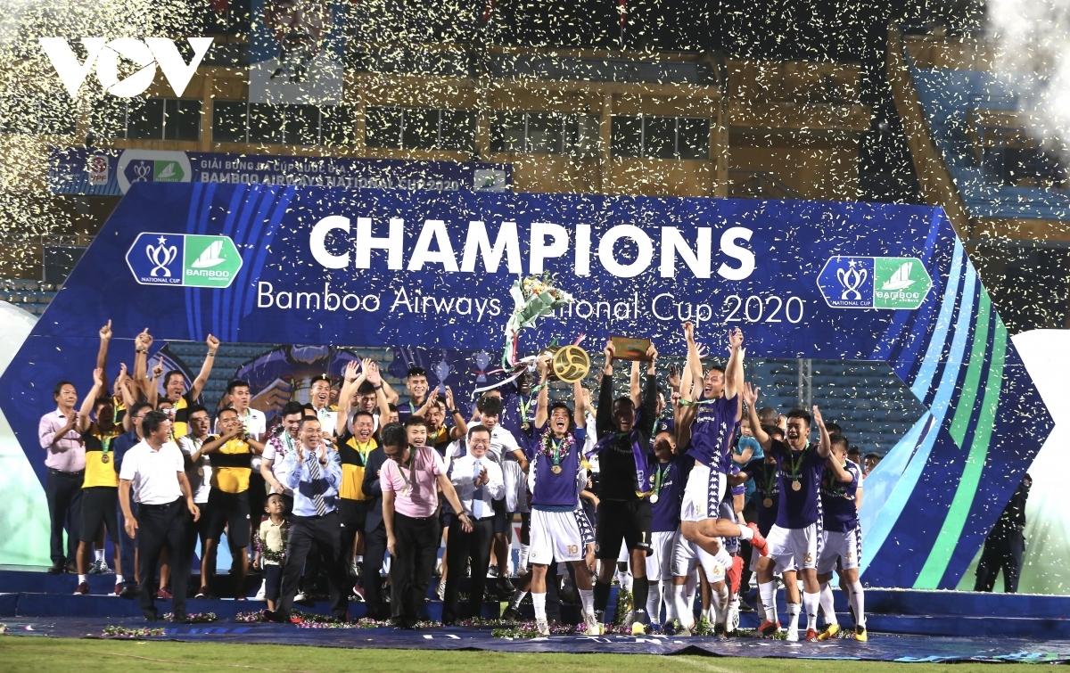 Ngày này 1 năm trước, Hà Nội FC đăng quang chức vô địch Cúp Quốc gia 2020 sau trận thắng kịch tính Viettel 2-1.