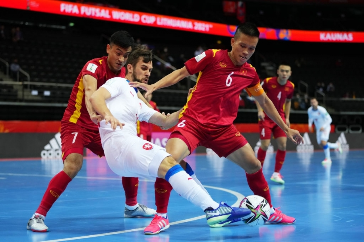 Cơ hội đi tiếp của ĐT Futsal Việt Nam bị đánh giá khá thấp, nhưng thầy trò HLV Phạm Minh Giang đã gây bất ngờ.