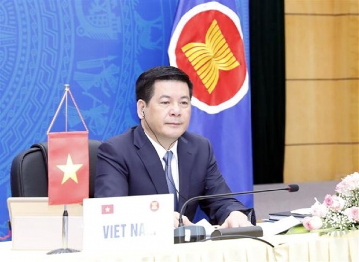 Minister of Industry and Trade Nguyen Hong Dien at the event (Photo: VNA)