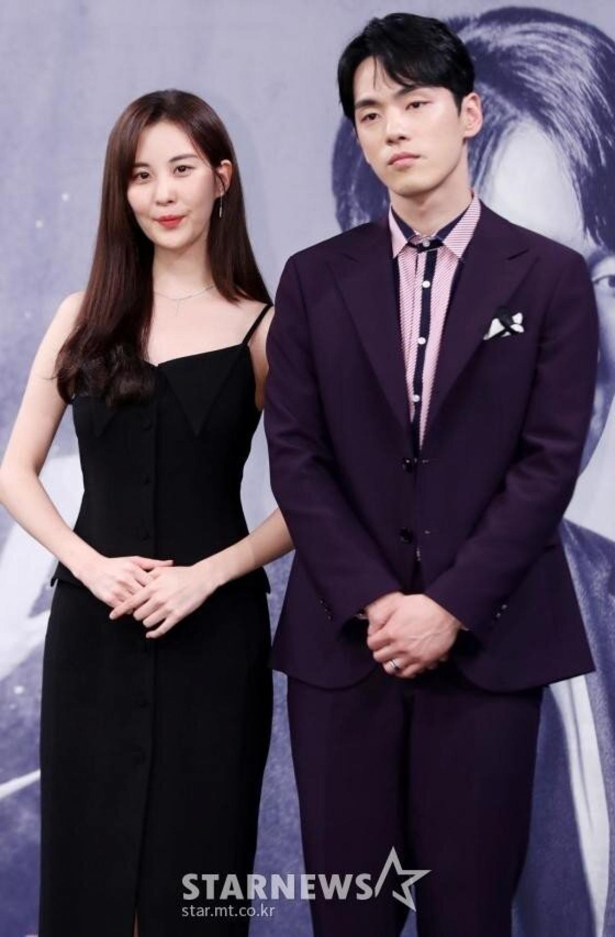 """Thái độ thiếu chuyên nghiệp của Kim Jung Hyun đối với bạn diễn Seohyun tại họp báo phim """"Time""""."""