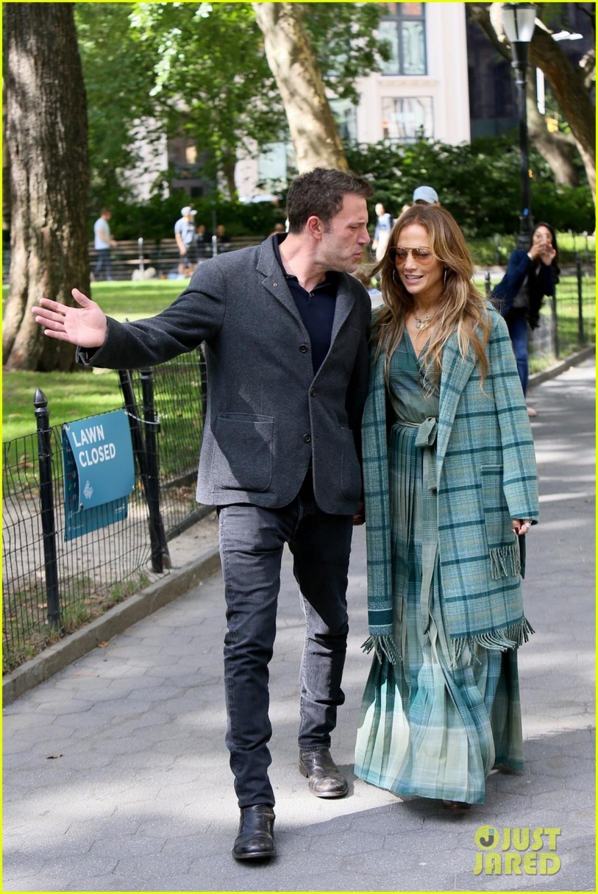 """Thành công trong sự nghiệp nhưng Jennifer Lopez lại khá lận đận trong chuyện tình cảm. Hồi đầu năm, cô và Alex Rodriguez cũng quyết định """"đường ai nấy đi"""" trước sự tiếc nuối của công chúng./."""