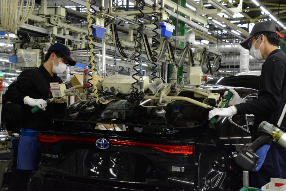 Lắp ráp xe Toyota tại Nhật Bản.